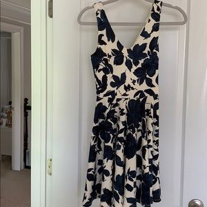 Navy / White floral dress